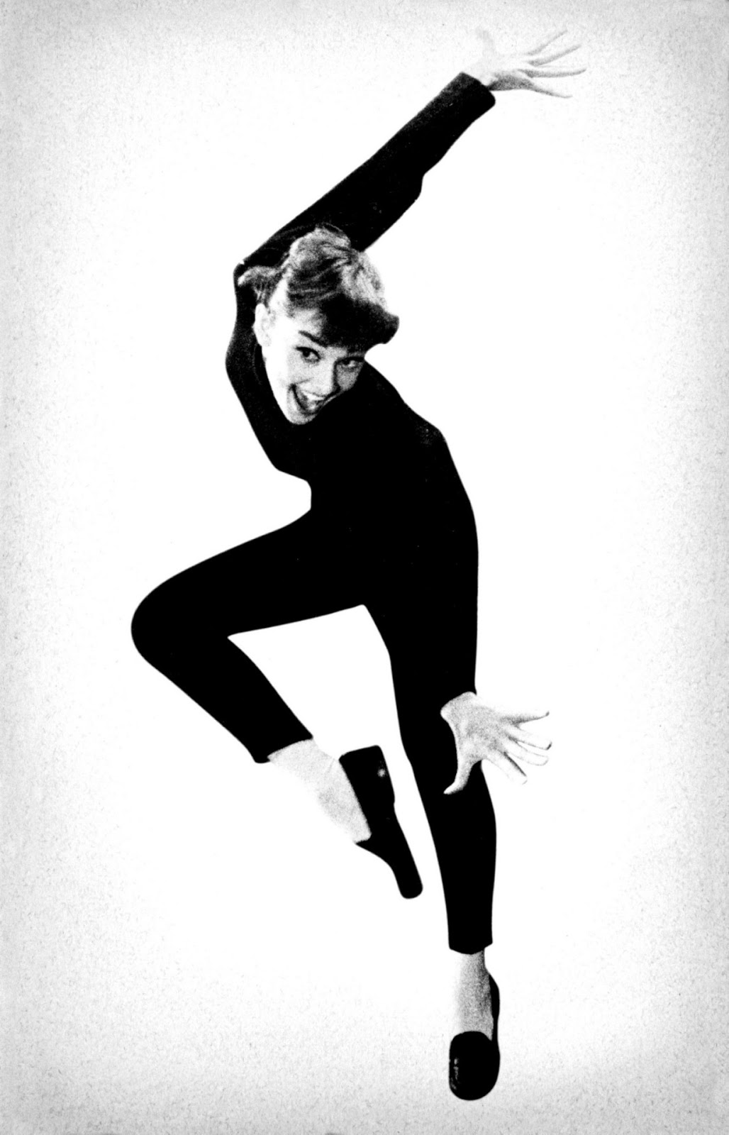 audrey hepburn all black skinny ballet flats outfits that inspire funny face chic