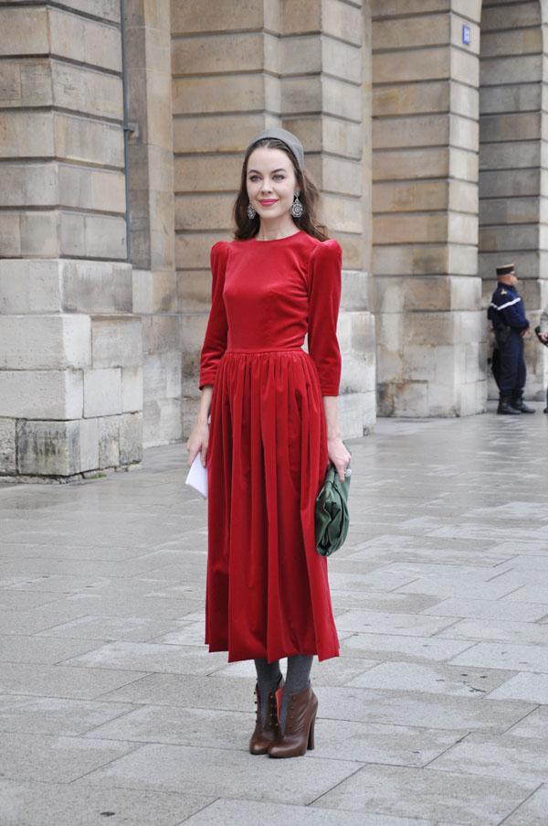 paris-fwss2011-red-lady