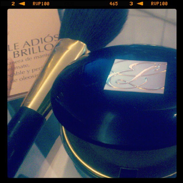 Estee Lauder . Perfeccion Mate
