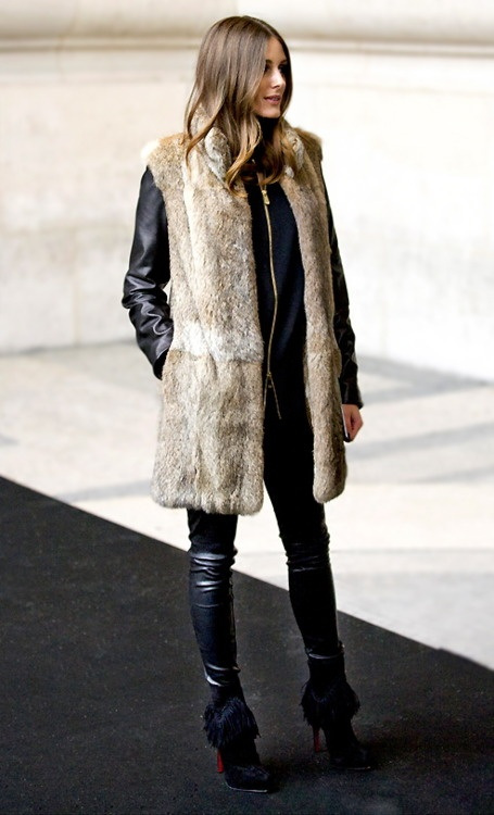 how-to-wear-a-fur-vest-all-black-olivia-palermo