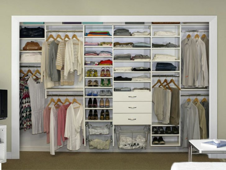 Lunes de decoraci n walk in closets la vida de serendipity for How to design a master bedroom closet