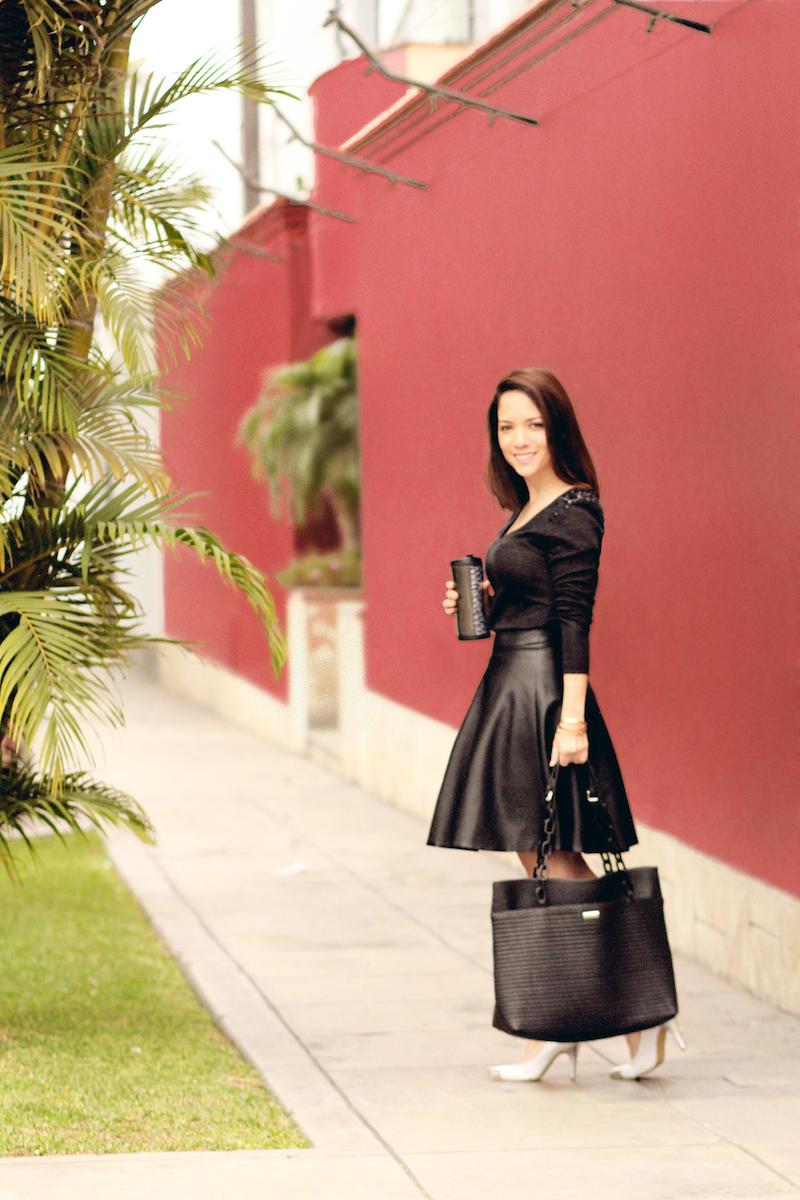 Falda de Cuero Roger Loayza Chompa MNG