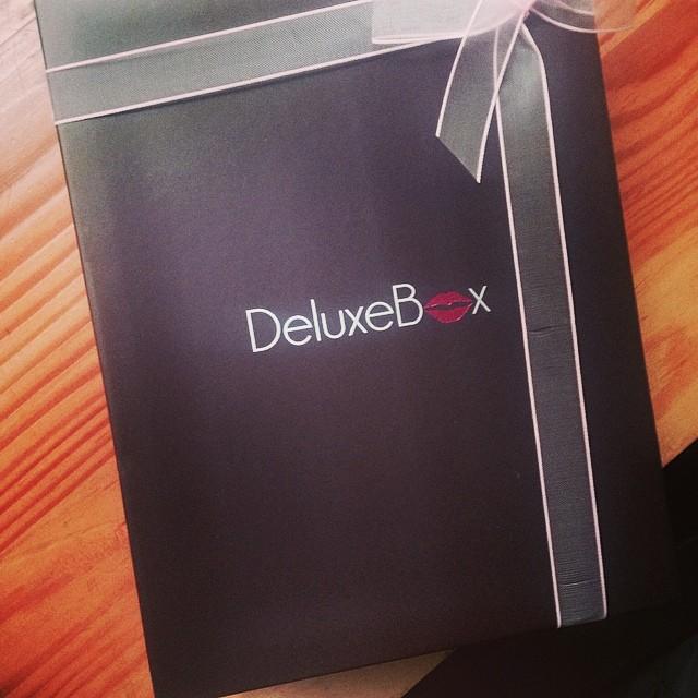 Deluxe Box Abril