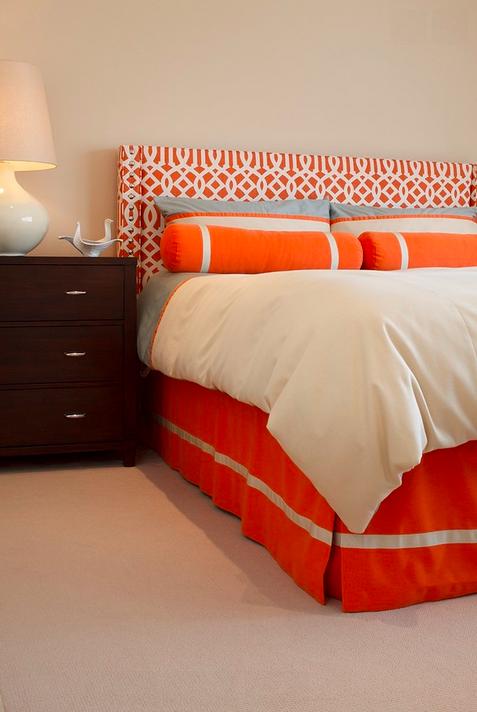 Lunes de decoraci n c mo decorar una habitaci n con for Paredes naranja y beige