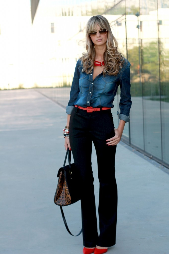 Viernes de inspiraci n c mo usar la camisa jean en la for Shirts that go with black jeans