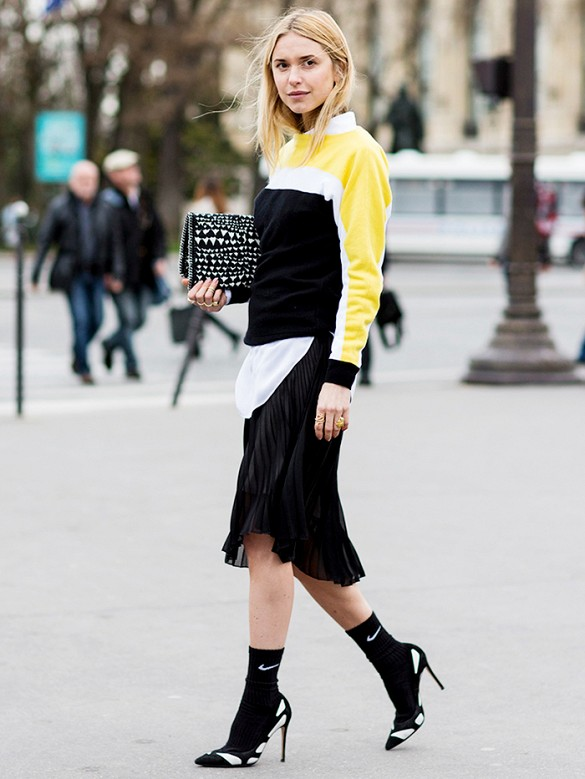 pleated skirt street style 2