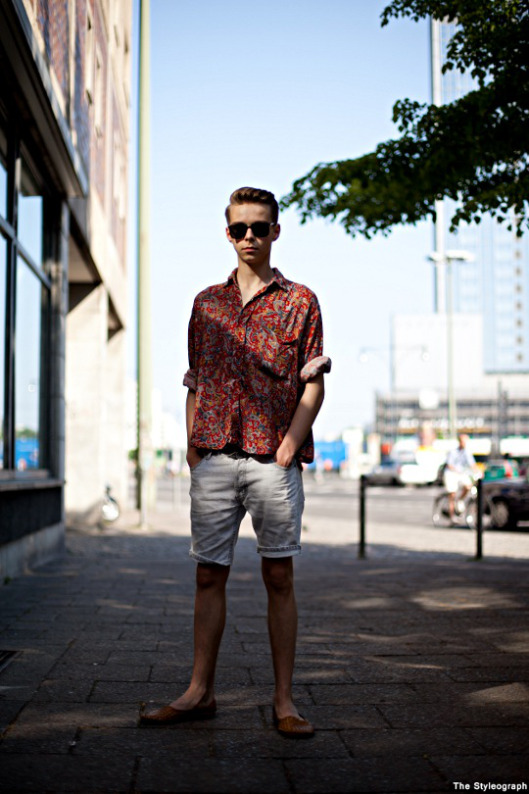 print sshirt and shorts men style