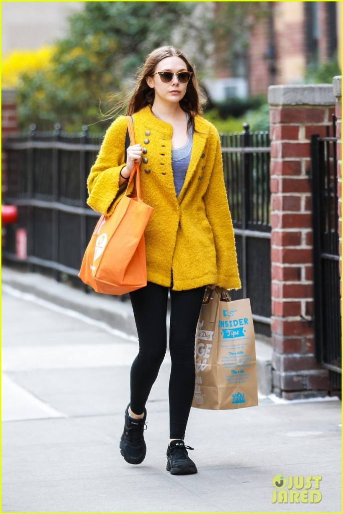 Elizabeth Olsen leaves Whole Foods in Chelsea, NYC after grocery shopping