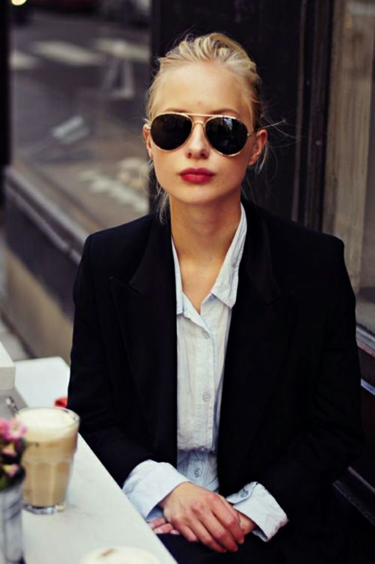 french style red lips