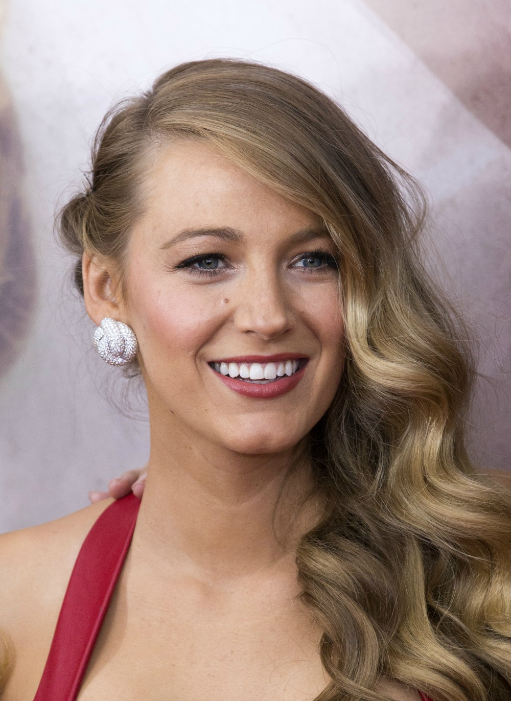 blake lively deep side part