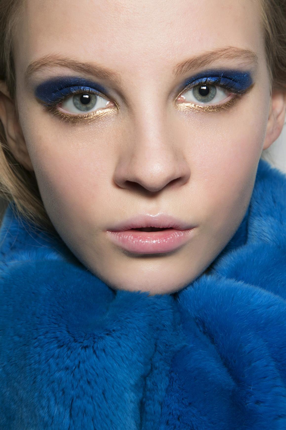bright eyeshadow trend