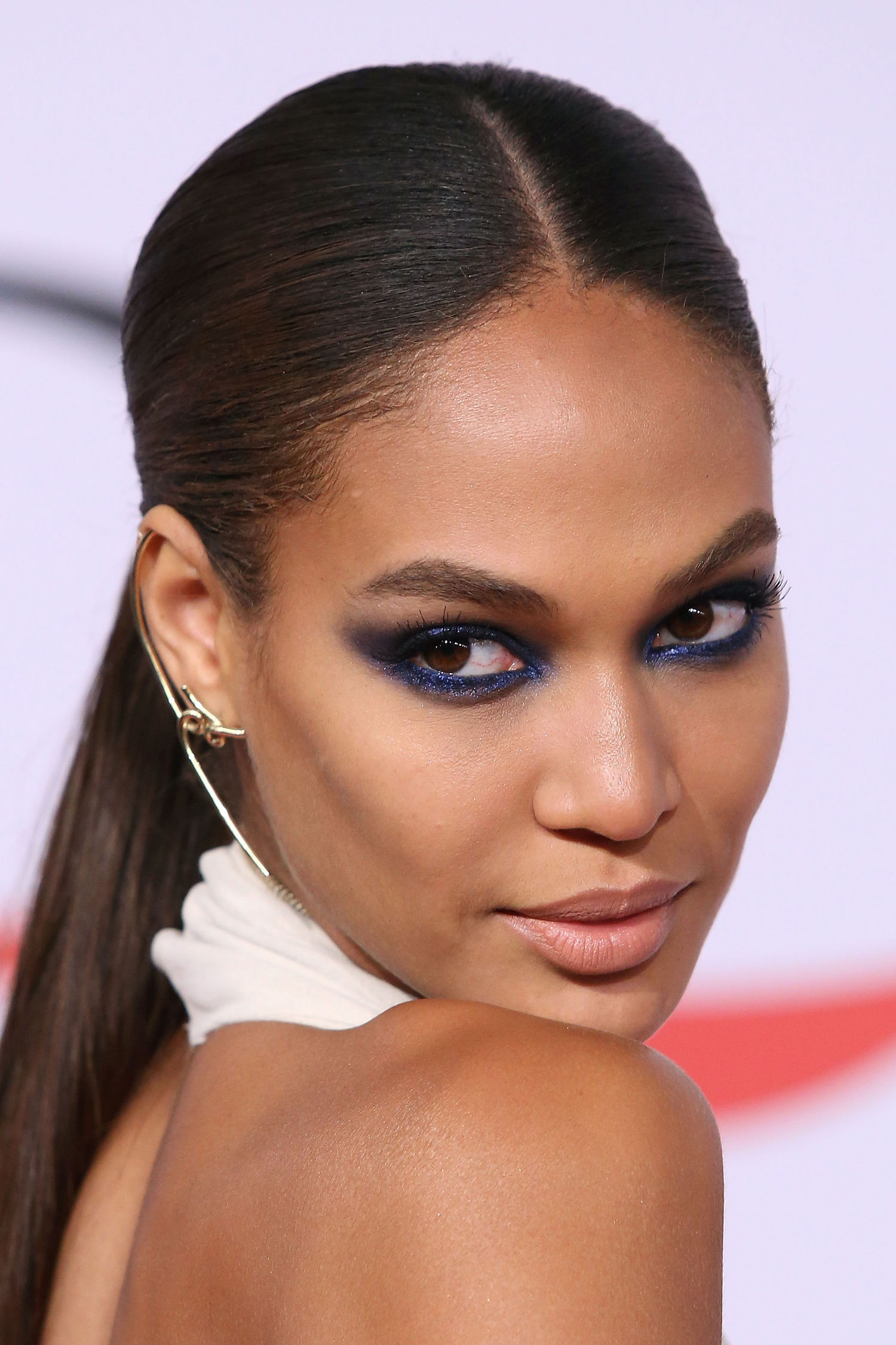 joan smalls electric eyes trend