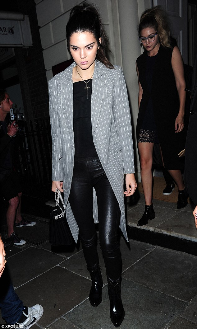 kendall jenner long blazer style 2