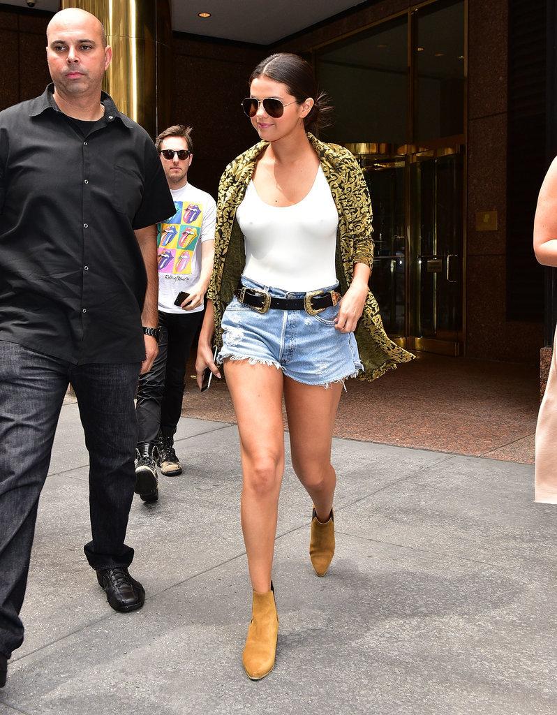 Selena-Gomez-also-seen-wearing-same-double-buckle-belt