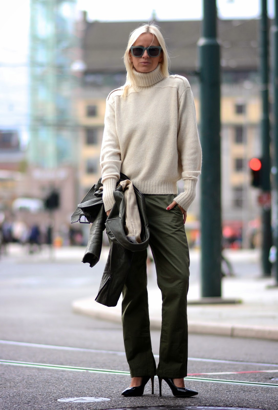army green pants trend 2
