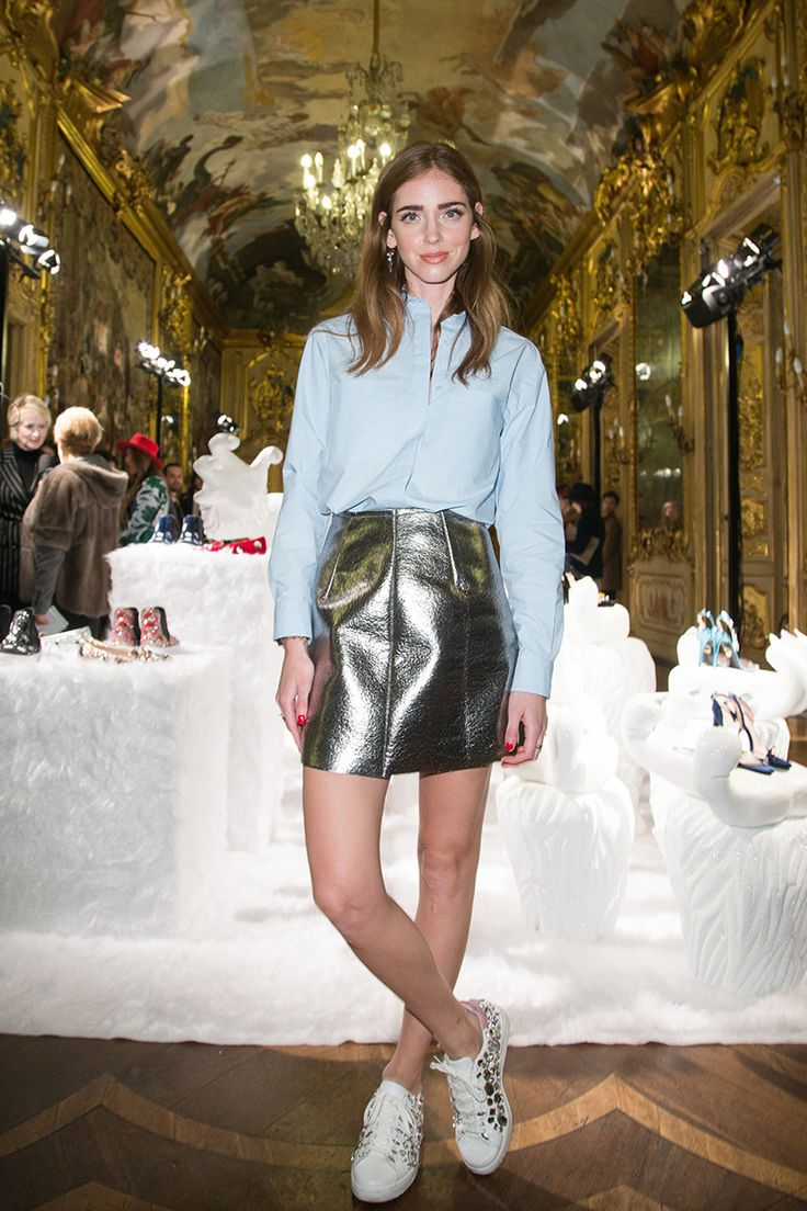 chiara ferragni mini skirt