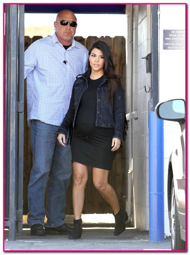 Pregnant Kourtney Kardashian Leaving A Studio In Los Angeles