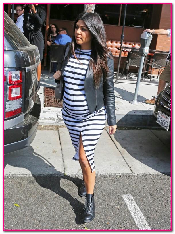 Pregnant Kourtney Kardashian Lunches With Kendall & Penelope