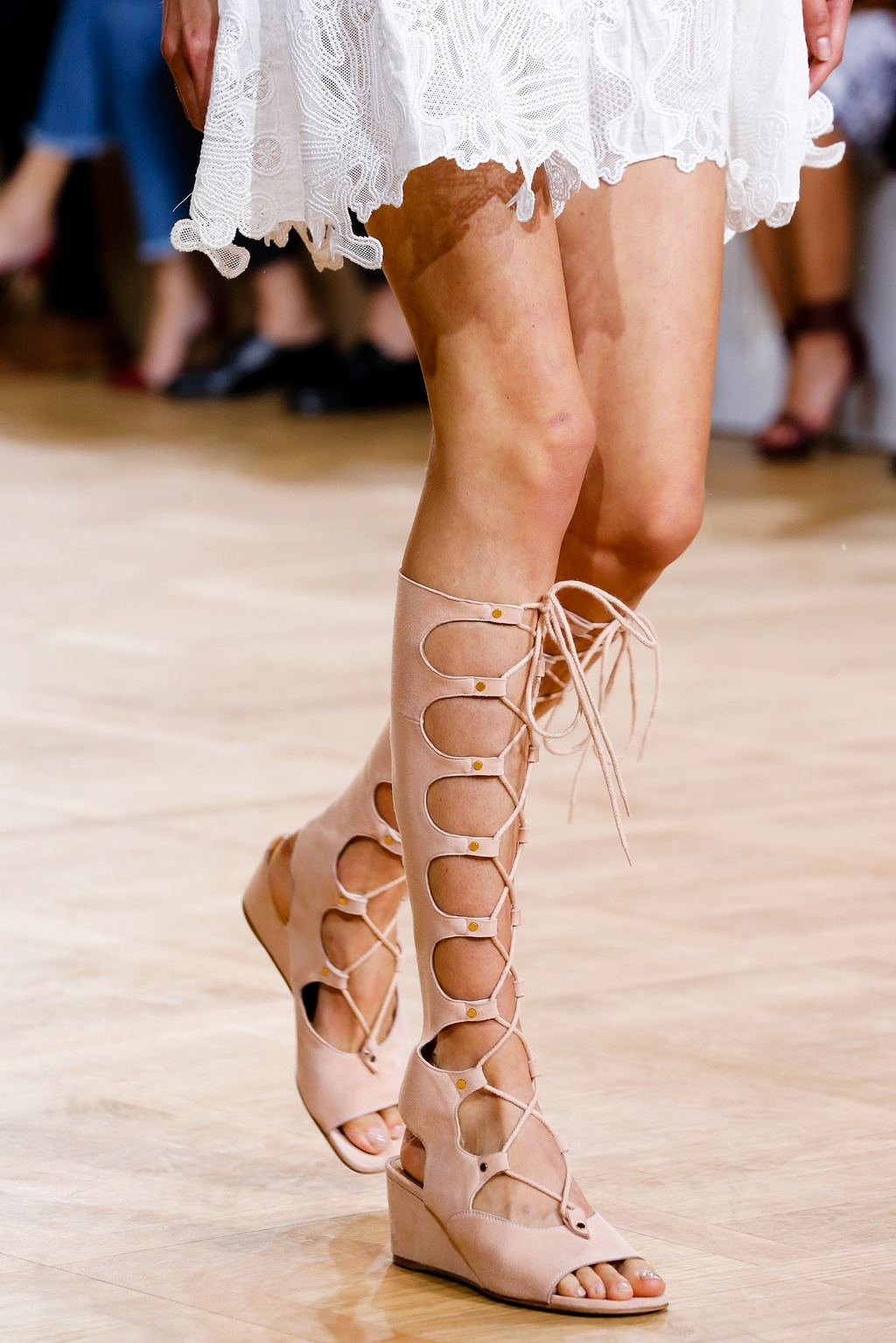 a chloe ss15laceup gladiator