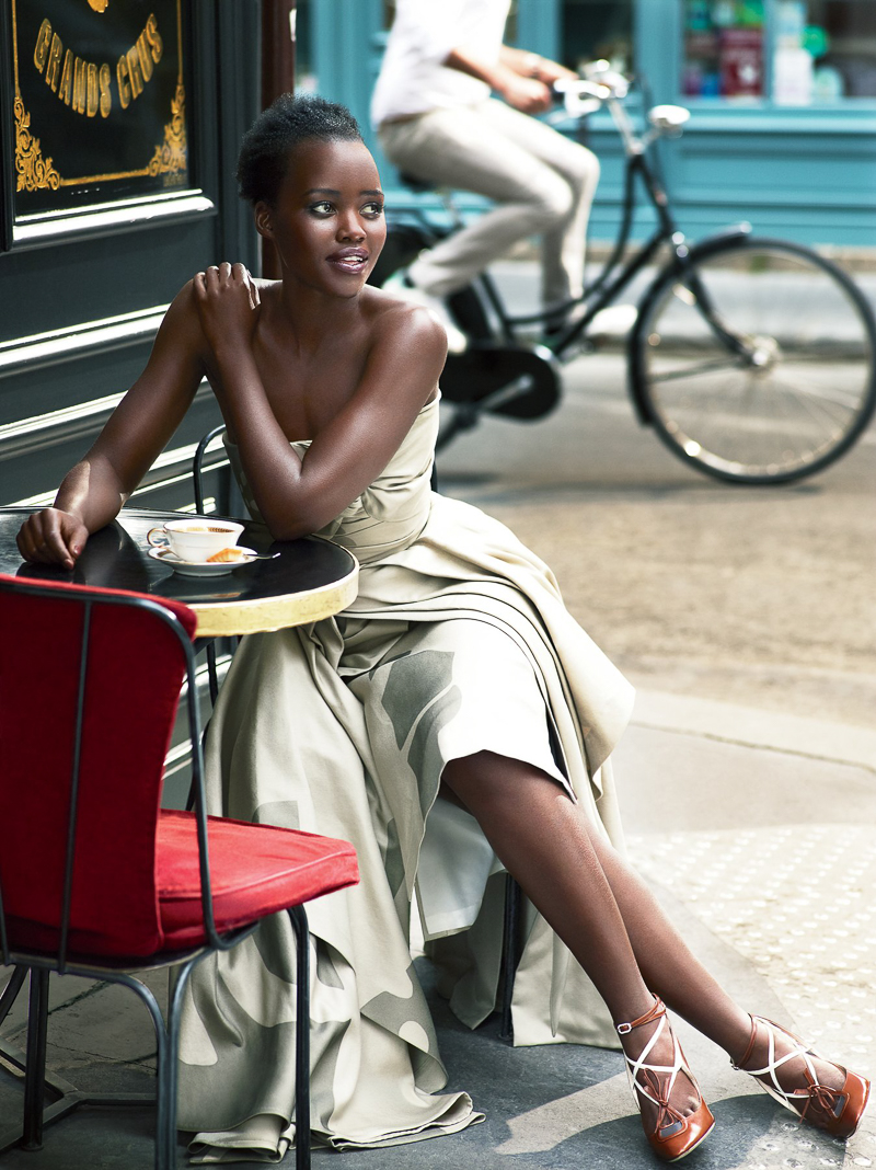 lupita nyongo vogue us 2015 mert alas and marcus piggott 1