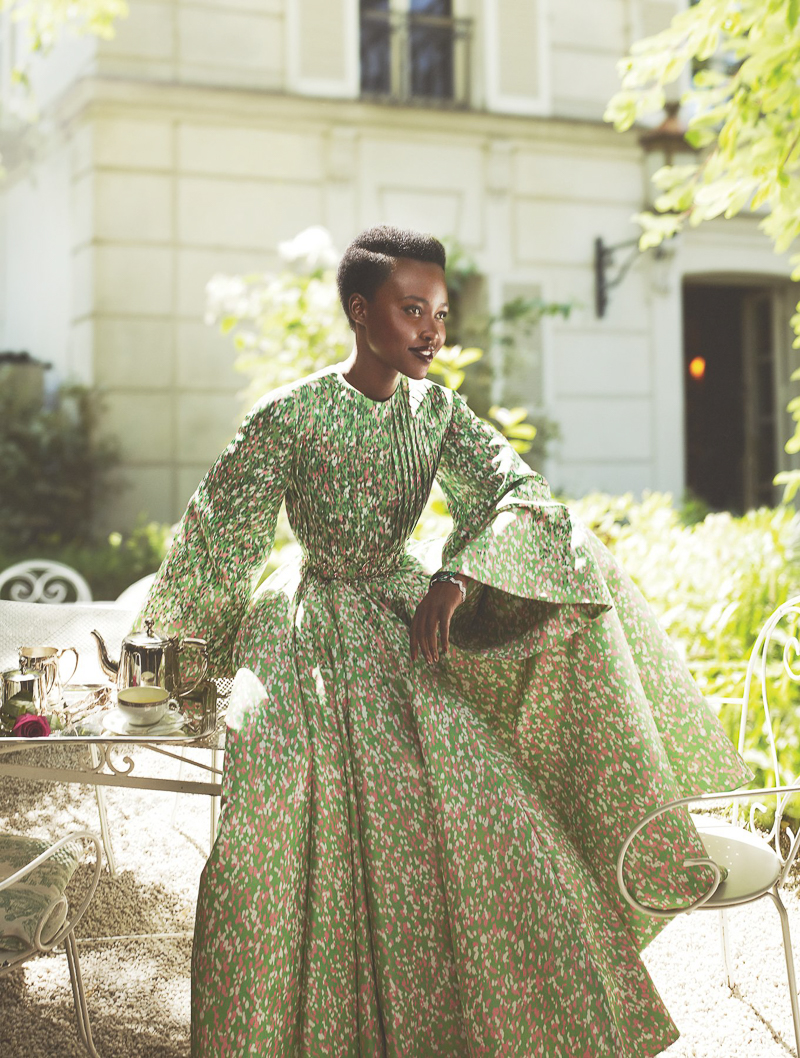 lupita nyongo vogue us 2015 mert alas and marcus piggott 5