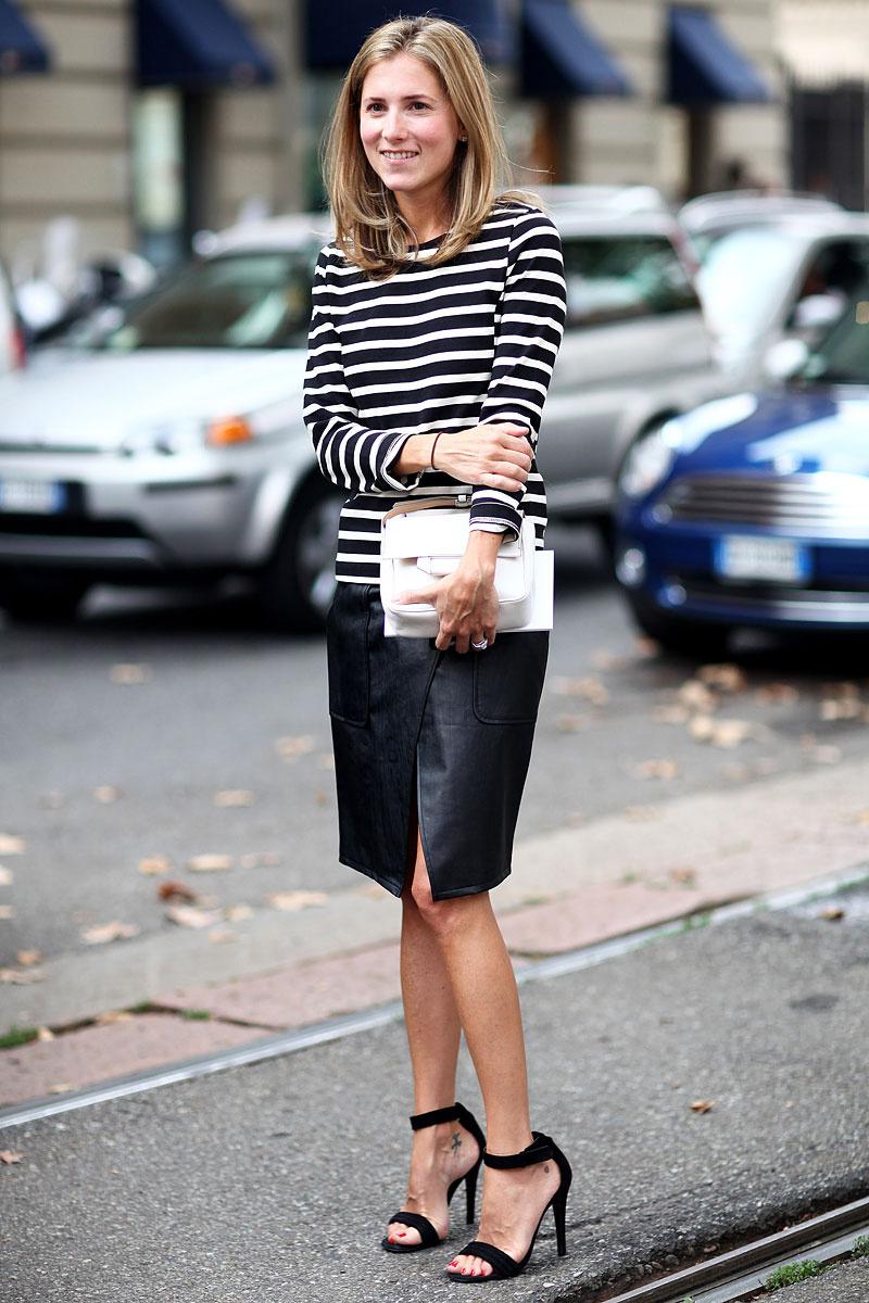 mid season skirt leather and tshirt