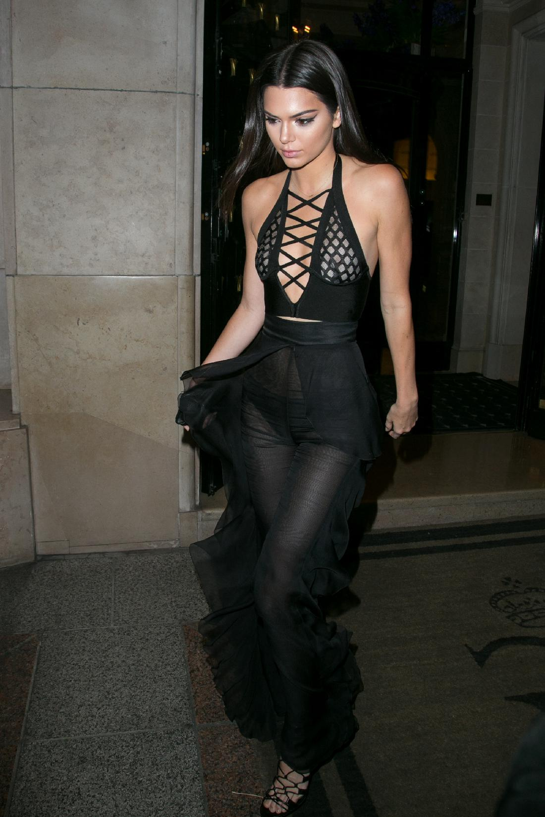 kendall jenner lace up top look