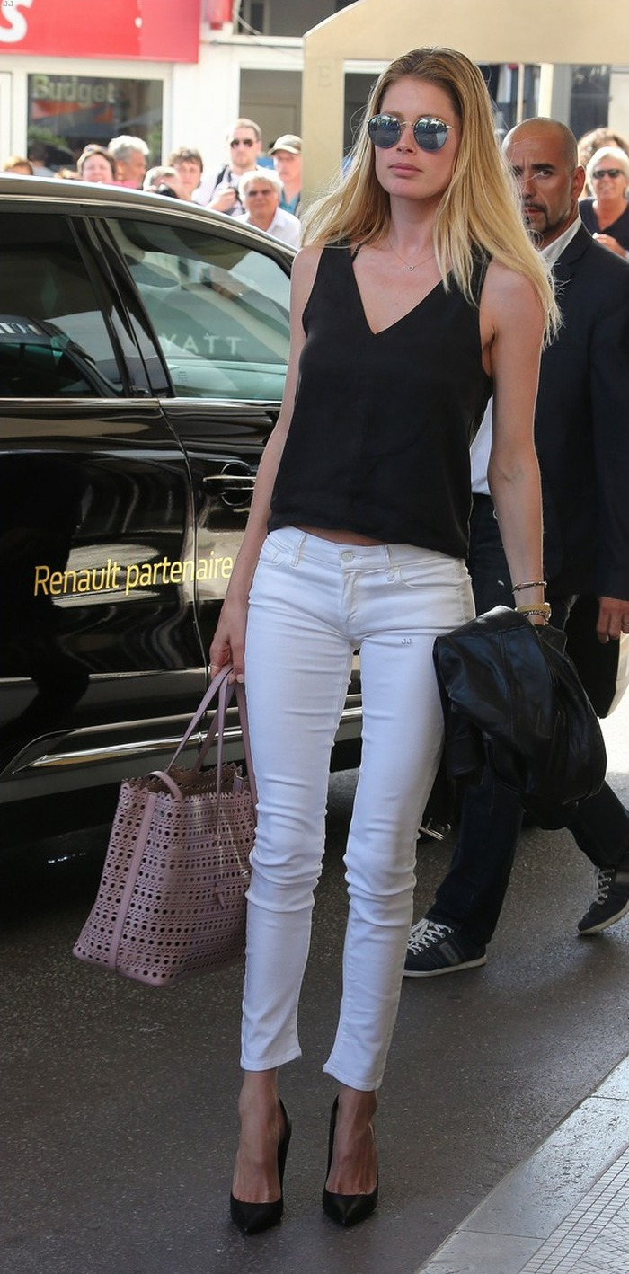 white pants casual look 3