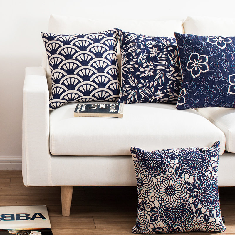 Something blue la vida de serendipity for Coussins decoratifs pour canape