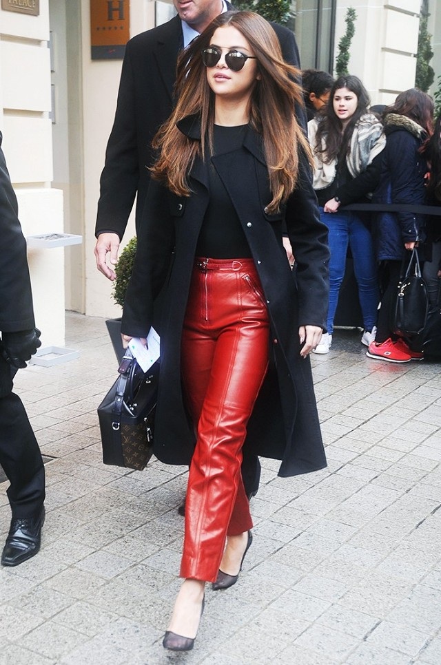 selena gomez black and red