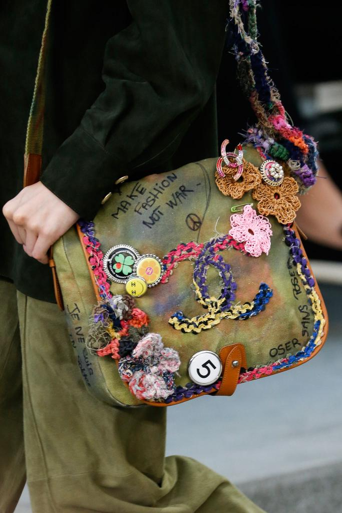 statement bags street style 6