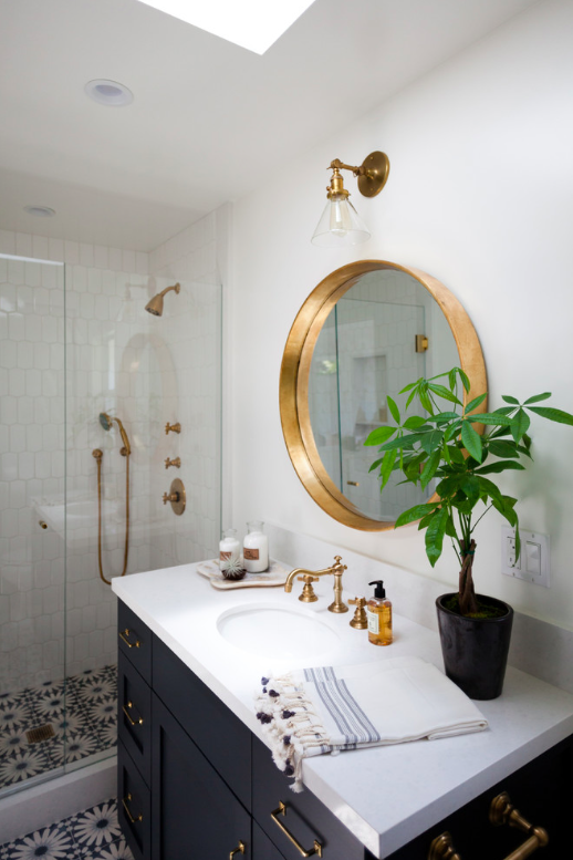 How to make a bathroom look bigger and elegant 3