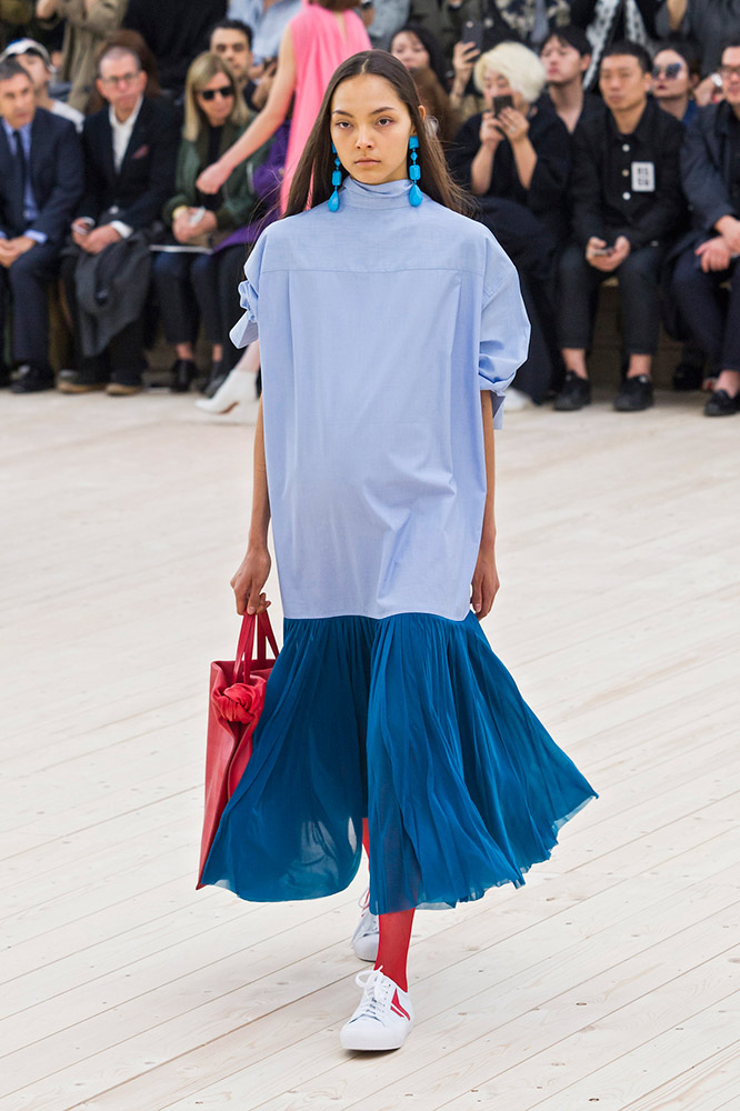 celine-spring-2017-blue-turtleneck-skirt-red-tights-runway