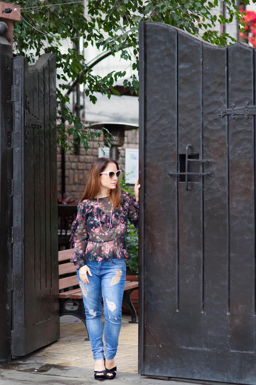La Vida de Serendipity - zara see through winter blouse . Fendi 2017 sun Glasses - Basement Jeans - Saga Falabella 1