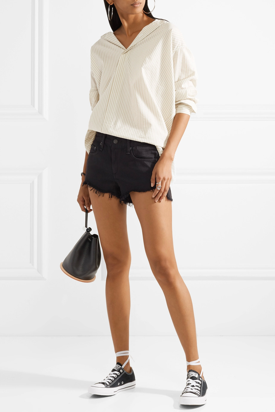 how to wear denim shorts 1