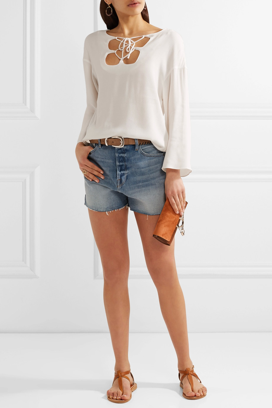 how to wear denim shorts 6