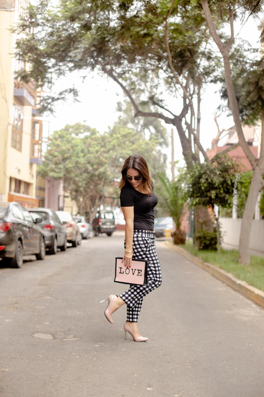 La vida de Serendipity - Pink Clutch - LalaLove Shoes 2