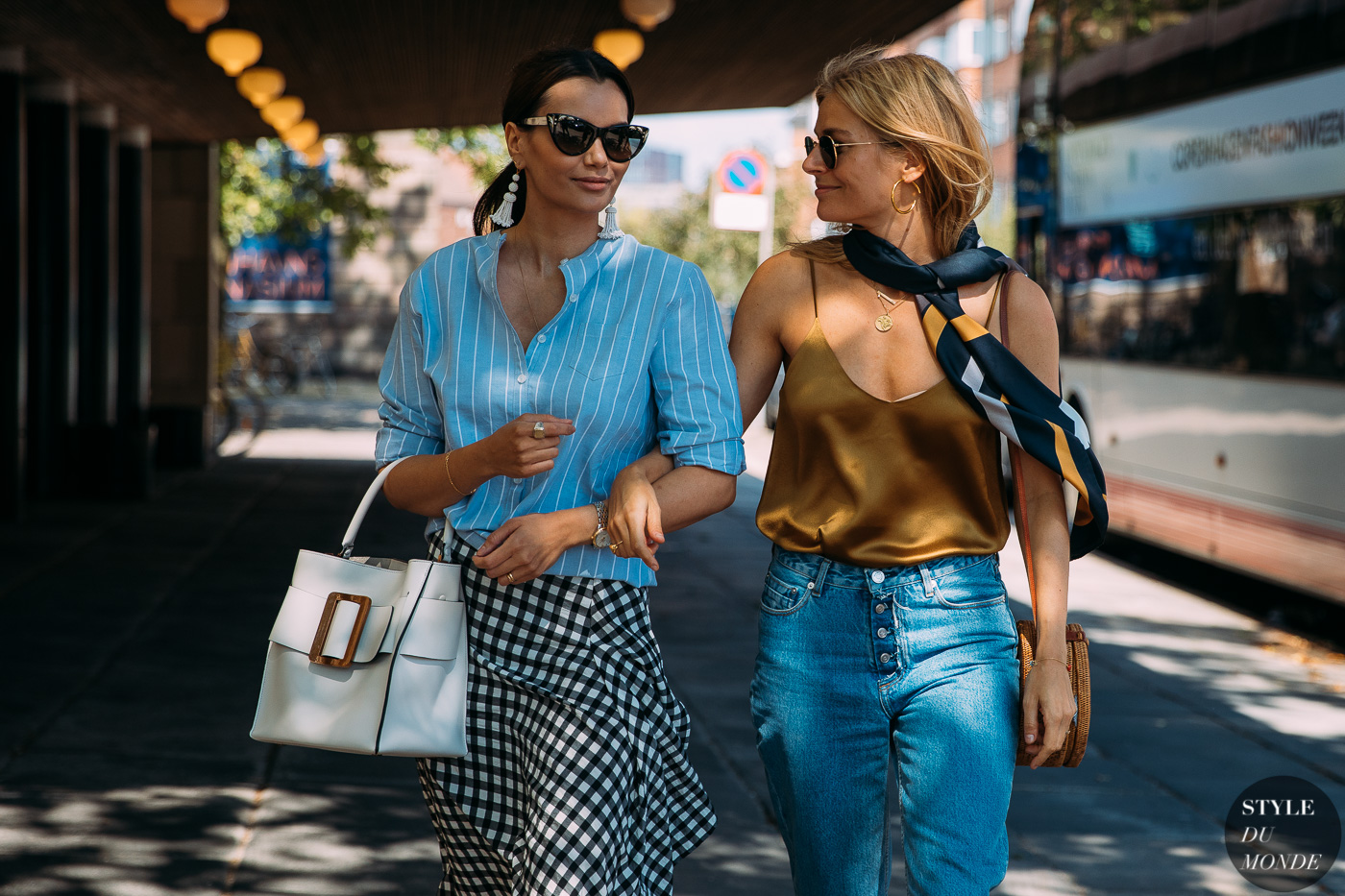 street style scarf trend
