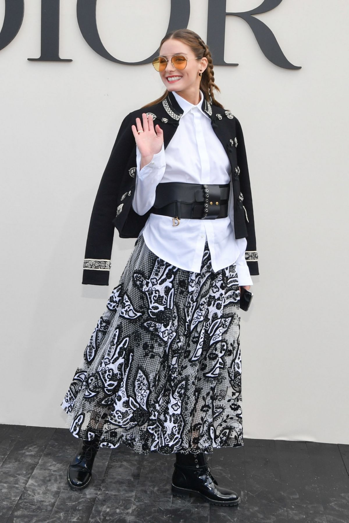 olivia-palermo-at-christian-dior-show-as-part-of-the-paris-fashion-week-0