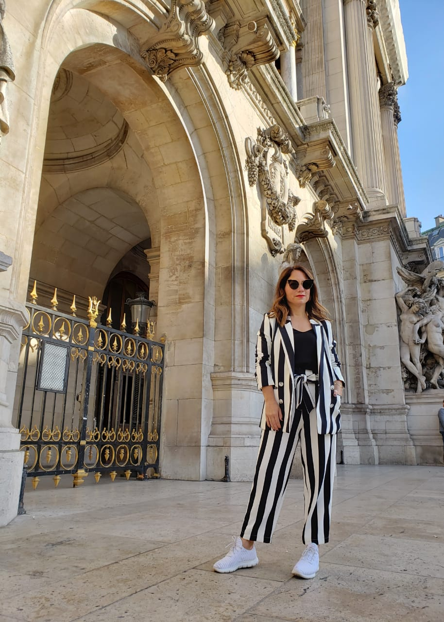 outfit ideas to wear with sneakers - La vida de serendipity - Opera de Paris- Skechers