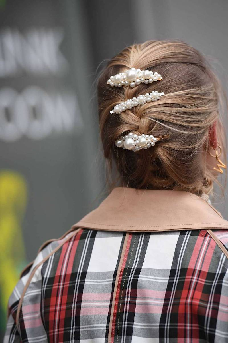 hair clip trend 2019 up do