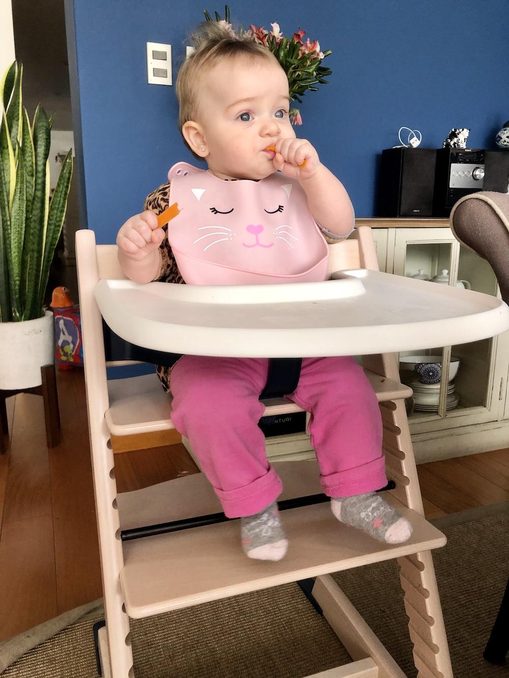 Las primeras comidas del bebé. Silla Stokke